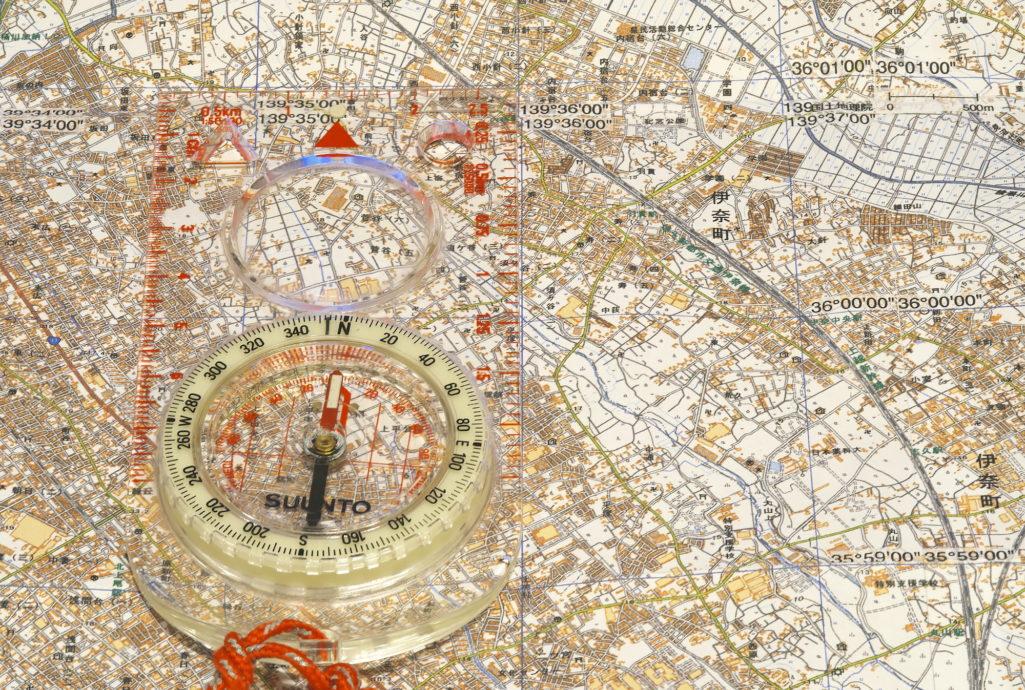 お手製地図とコンパス