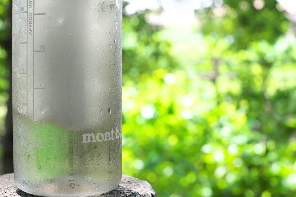 凍らしておいたモンベルクリアボトル